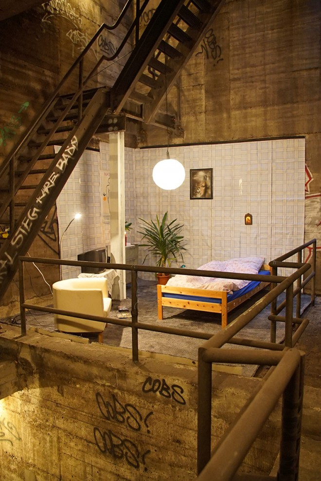 zimmer-im-ubahnschacht-berlin-secret-room-subway-rocco-und-seine-brueder